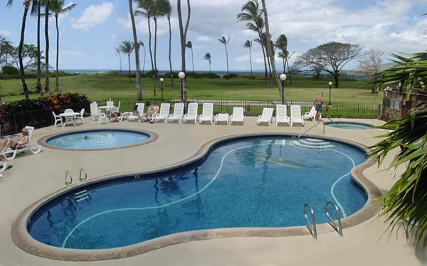 KM Pool Outdoor Pools